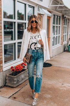 4 Tips for Styling High Rise Jeans (Cella Jane) Denim Shorts Outfit, Denim Jeans, Jean Short Outfits, Comfortable Jeans, Athleisure Outfits, Weekend Wear, High Rise Jeans, Distressed Denim, Fashion Outfits