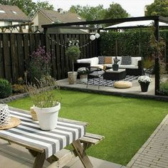 45 Backyard Patio Ideas That Will Amaze amp; Inspire You Pictures of Patios 2019 Fantastic backyard patio decorating ideas The post 45 Backyard Patio Ideas That Will Amaze amp; Inspire You Pictures of Patios 2019 appeared first on Backyard Diy. Terrace Garden Design, Patio Design, Garden Villa, Garden Bed, Garden Site, Fence Garden, Garden Cottage, House Design, Exterior Design
