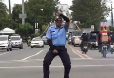 Chart of the top 10 funniest dancing traffic cops. Police officers caught on camera dancing, hilarious! Cops Humor, Police Humor, Traffic Humor, Funny Memes, Hilarious, Funny Videos, Guy Dancing, Tv Series Free, Lets Move