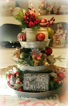 42 Stunning Country Christmas Centerpieces Ideas Ideas 91 50 Best Diy Christmas Table Decoration Ideas for 2017 8 Noel Christmas, Outdoor Christmas, Winter Christmas, All Things Christmas, Primitive Christmas, Primitive Crafts, Christmas Lights, Cowboy Christmas, Christmas Swags