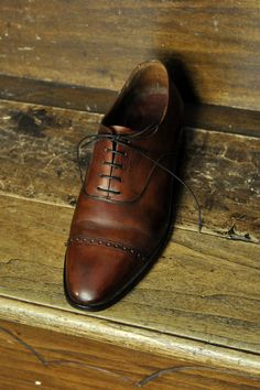 Shoes. Oxford. Brown. Leather. Well done. +1