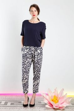 Leopard Fiona Silk Pants Silk Pants, New Woman, Formal, Capri Pants, Trousers, Pajama Pants, My Style, How To Wear, Clothes