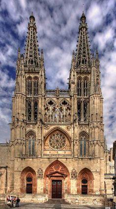Catedral de Burgos, Espanha torres com campanários. Camino de Santiago