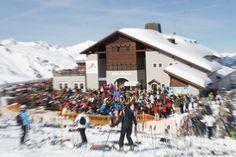 Traumkulisse rund um eines der größten und wahrscheinlich schönsten Bergrestaurants Europas: Nova Stoba. Ganz nahe vom Sporthotel Silvretta Montafon aus mit der Versettla-Bergbahn erreichbar. An der Talstation gibt es sogar einen eigenen Ski-Stall für die Gäste des Sporthotel Silvretta Montafon. Von hier aus eröffnen sich über 150km Traumpisten aller Schwierigkeitsgrade.
