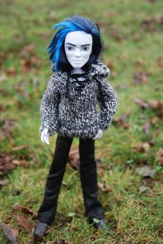 gray sweater with hood for Monster high boy by LucieVran on Etsy
