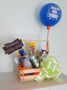 Candy Bouquet, Gift Baskets, Bouquets, Desserts, Gifts, Ideas, Food, Basket Gift, Original Gifts