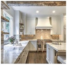 23 Rustic Country Kitchen Design Ideas to Jump Start Your Next Remodel - The Trending House Home Design, Küchen Design, Layout Design, Interior Design, Design Ideas, Design Inspiration, Kitchen Inspiration, Wall Design, Design Trends
