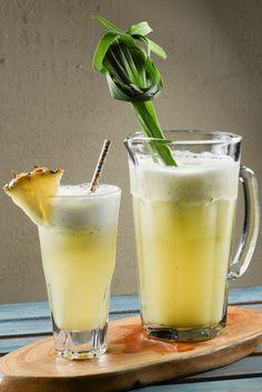 Uma receita de Suchá de Abacaxi que leva Capim Santo e Gengibre. É uma delícia, ideal para se refrescar! Experimente!