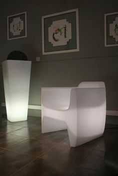 Translation Armchair - Light version qui est Paul.