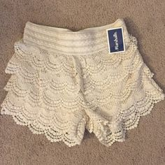 Ivory lace shorts Never worn lace shorts Shorts