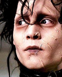 Johnny Depp (Eduardo Manostijeras)