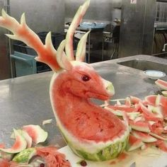 Christmas-food ideas-Watermelon carving of a reindeer L'art Du Fruit, Fruit Art, Fruit Sculptures, Food Sculpture, Veggie Art, Fruit And Vegetable Carving, Watermelon Art, Watermelon Carving, Carved Watermelon
