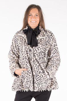 STYLER fuskpäls jacka snöleopard  madeineurope  swedishdesign   sustainablefashion   60d30f6938a66