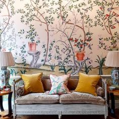 The beauty of @degournay the wallpaper that is forever timeless