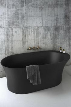 Opus Bathtub by Claybrook Interiors / black bathtub / dark bathtub / freestanding modern bathtub Black Bathtub, Modern Bathtub, Modern Bathroom Design, Bathroom Interior, Bathroom Black, Bathroom Furniture, Modern Design, Toilette Design, Big Tub