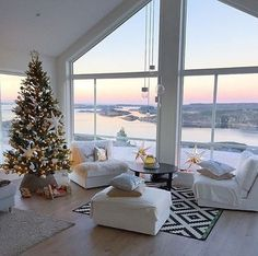 christmas home 30 Beautiful Christmas Tree Decorating Ideas That You Will Love - Gravetics Merry Christmas To You, Christmas Home, Xmas, Apartment Christmas, Christmas Fireplace, Coastal Christmas, Christmas Cookies, Cozy Living, Home And Living