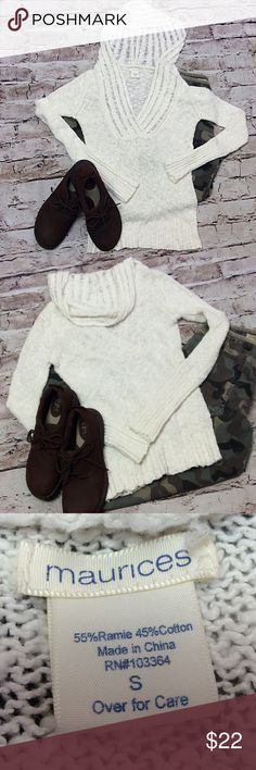 MAURICES CREAM LIGHTWEIGHT HOODED SWEATER Cute casual sweater to throw on anytime you want a casual look. Perfect beach sweater, or layer for winter wear Maurices Sweaters V-Necks