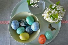 decorated eggs this year with a wax stylus, traditional Paas dyes and a few darker Ukranian dye colors