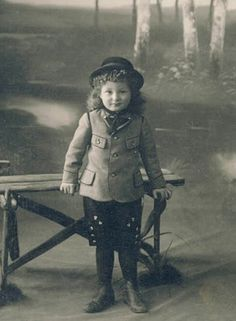 +~+~ Antique Photograph ~+~+   Darling girl, Germany c. 1910