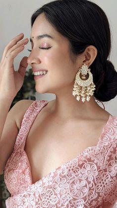 Indian Fashion Trends, Indian Fashion Dresses, Indian Designer Outfits, Saree Fashion, Trendy Sarees, Stylish Sarees, Beautiful Girl Indian, Beautiful Indian Actress, Indian Jewellery Design
