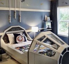 The Millennium Falcon is the ULTIMATE bed for a Jedi-in-training. How much do you love the #starwars room @marycookassociates designed for one very lucky fan? #shoplinkinbio #lovemypbk
