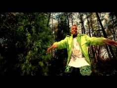 Music video by Soulja Boy Tell`em performing Kiss Me Thru The Phone. (C) 2008 ColliPark Music/Interscope Records
