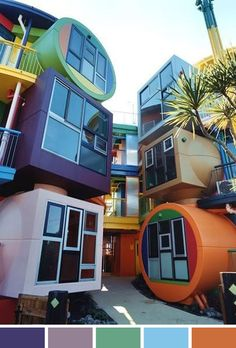Futuristic apartments in Tokyo Japan - from achados da bia