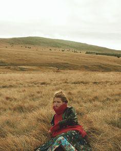 Harpers-Bazaar-Czech-December-2017-Kristin-Drab-Martyna-Andreas-Ortner-9.jpg