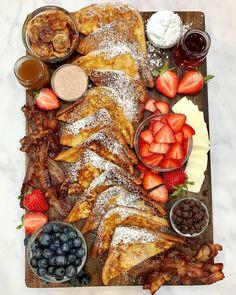 Brunch Recipes, Breakfast Recipes, Cute Breakfast Ideas, Sunday Dinner Recipes, Perfect Breakfast, Charcuterie Recipes, Charcuterie Board, Breakfast Platter, Figs Breakfast