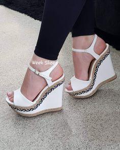 Black Wedge Shoes, Wedge Heels, Stiletto Heels, High Heels, Shoe Boots, Shoes Heels, Sexy Legs And Heels, Cute Heels, Women's Feet
