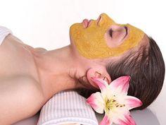 Nohut unu maskeleri ile cilt renginizi açabilir ve cildiniz aydınlatabilirsiniz, bunun için hazırladığımız doğal maske tariflerini inceleyin.