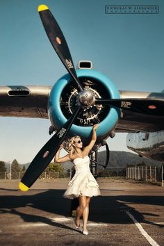 The Best Senior Photography Aviation Wedding, Pinup, Pin Up Girl Vintage, Airplane Art, Photo Portrait, Photographic Studio, Nose Art, Senior Photography, Airplane Photography