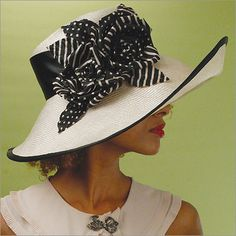 Classic Derby Hat / by Louise Green Kentucky Derby Hats, Church Hats, Fancy Hats, Wearing A Hat, Wedding Hats, Love Hat, Glamour, Ascot, Looks Style