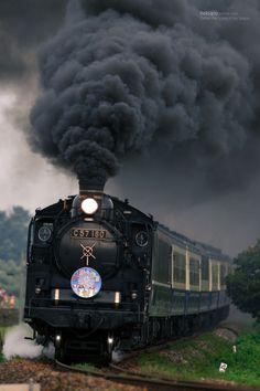 Steam Locomotive. Паровоз.