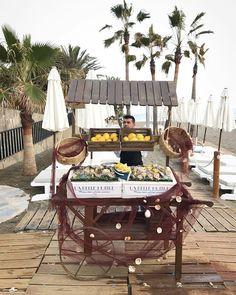 Empezando el fin de semana en #SoleoMarbella con unas ostras al natural.   #marbella #soleomarbella #beachclub #sun #fuertehoteles #andalucia #wanderlust