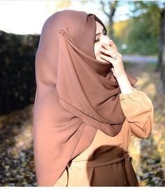 Image in 🕋🌹muslim🌹🕋 collection by La_Petite_Turkish Modest Fashion Hijab, Casual Hijab Outfit, Hijab Chic, Abaya Fashion, Fashion Muslimah, Hijab Niqab, Beautiful Muslim Women, Beautiful Hijab, Hijabi Girl