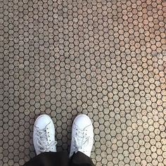 """DANISH ARCHITECTURE CENTRE (@danisharchitecturecentre) na Instagramie: """"Floor made of upcycled champagne corks  photo by @dorthenathalie ✌visit our exhibition…"""""""