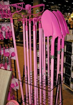 ALL of my garden tools should be PINK!!