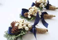 Rustic Boutonniere Winter boutonniere Woodland wedding boutonniere Groomsmen buttonhole flower pinecone boutonniere christmas wedding ELVES