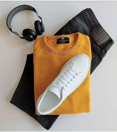 visit our website for the latest men's fashion trends products and tips . Mens Casual Dress Outfits, Stylish Mens Outfits, Stylish Clothes, Simple Outfits, Mens Fashion Wear, Latest Mens Fashion, Ootd Fashion, Men's Fashion Tips, Fashion Menswear