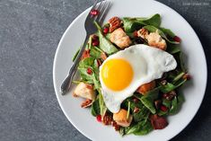 Pomegranate Salad with Maple Vinaigrette and Cinnamon Sugar Croutons | 18 Delicious Breakfast Salads