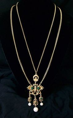 VINTAGE LOVELY FLORENZA GREEN GLASS RHINESTONE PEARL BAROQUE 2-STRAND NECKLACE