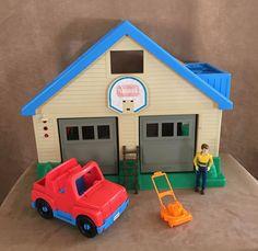 Playskool Mechanics Garage Large Man Cave dollhouse boy Car house 1530 vintage  #Playskool