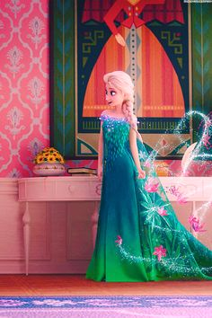 Elsa in Frozen Fever! Love her new dress!!!