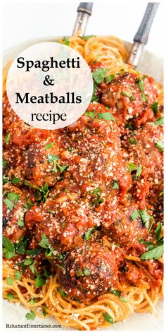 Have you thought about making a Spaghetti and Meatballs recipe for your guests? Everyone loves a spaghetti dinner, with a green salad and rustic bread! Best Spaghetti Recipe, Spaghetti Recipes, Pasta Recipes, Cooking Recipes, Top Recipes, Dinner Recipes, Rice Recipes, Dinner Ideas, Spaghetti Dinner