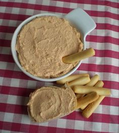 Paté de surimi y langostinos. Appetizers For Party, Appetizer Recipes, Snack Recipes, Gourmet Sandwiches, Potato Bites, Dips, Pizza Bites, Homemade Seasonings, Salty Snacks