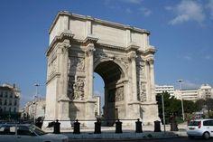Construit entre 1825 et 1839, l'Arc de Triomphe (Porte d'Aix) in Marseille, France