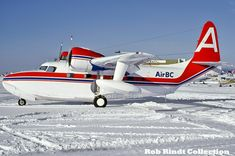 Air BC Grumman-Mallard G-73 C-GIRL - YVR (Jan/82) Sikorsky Aircraft, Amphibious Aircraft, Aircraft Maintenance Manual, Personal Jet, Airline Cabin Crew, Airplane Photography, Flying Boat, Aircraft Photos, Civil Aviation