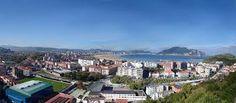 Laredo: municipio de Cantabria, rodeada de montes y bañada por el Mar Cantábrico. Su localización le permite disfrutar de arenales de gran belleza y calidad, y de espacios naturales protegidos. En su casco urbano, se encuentra la playa de mayor extensión de todo el litoral cántabro y gran parte del Parque Natural de las Marismas de Santoña, Victoria y Joyel se encuentra dentro del municipio.