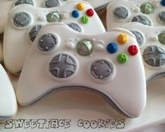 X-box controller cookies, know way too many ppl who would love these, lol!